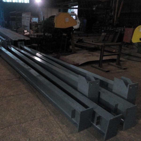 металлические колоны и опоры индивидуальных параметров от производителя