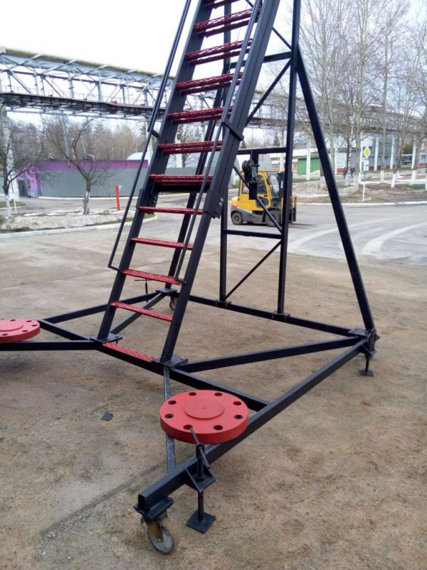телескопическая мобильная (передвижная) лестница - metalwork.by